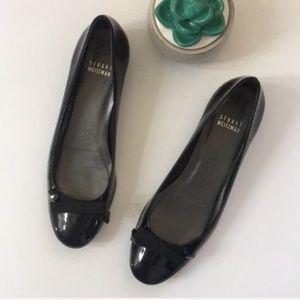 Stuart Weitzman black patent leather bow flat shoe